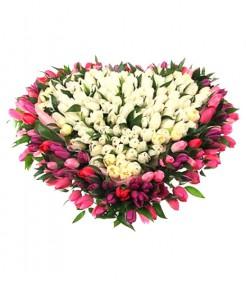 Сердце из тюльпанов